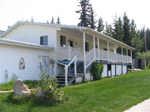 Hinton House for rent, click for more details...