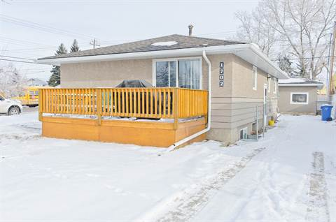 Calgary South East 2 bedroom Basement Suite For Rent