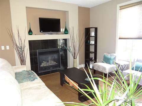 Calgary North East 2 bedroom Townhouse
