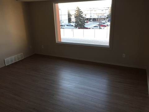 Edmonton North West 3 bedroom Condominium For Rent