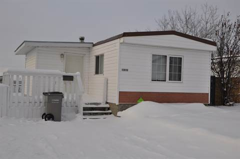 3 bedrooms grande prairie manufactured home for rent ad id for Three bedroom mobile homes for rent