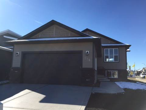 Red Deer 3 bedroom Main Floor Only For Rent