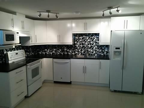 Edmonton Appartement en sous-sol pour le loyer, cliquer pour plus de détails...