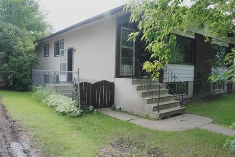 Edmonton North West 2 bedroom Main Floor Only For Rent